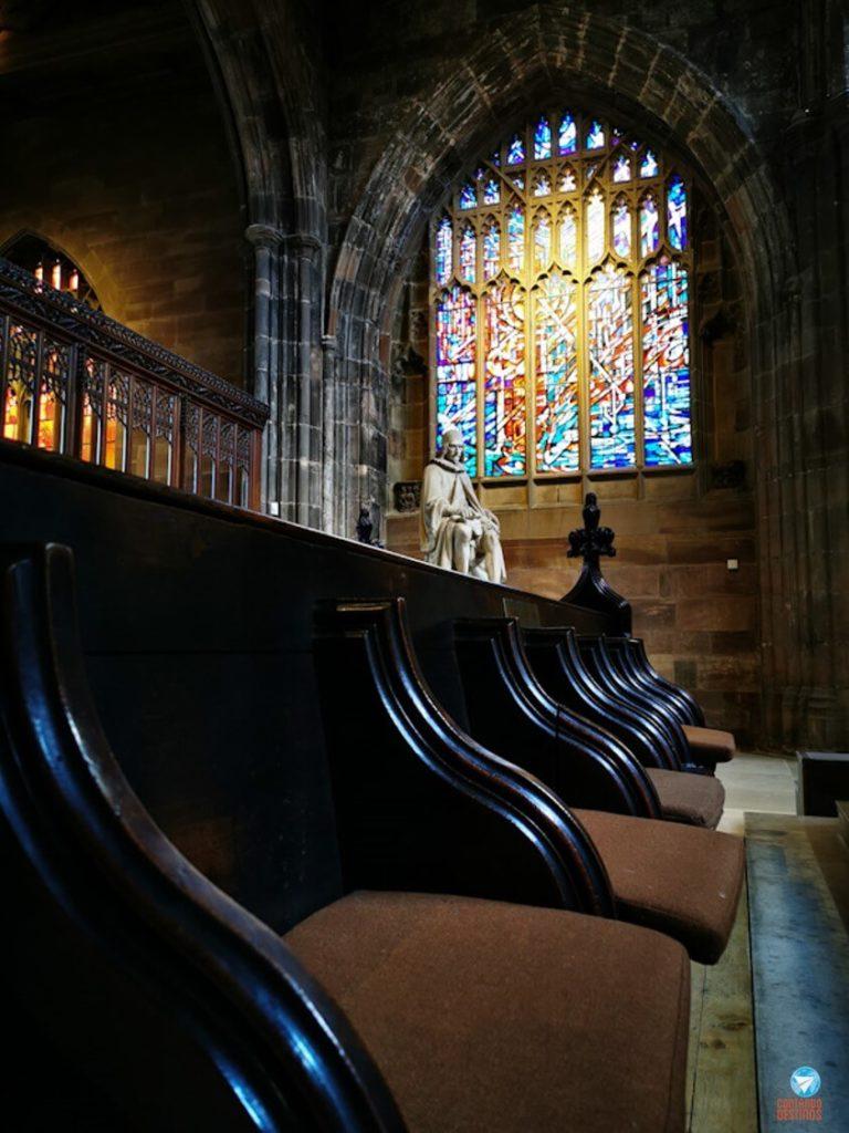 Interior da Catedral de Manchester, na Inglaterra