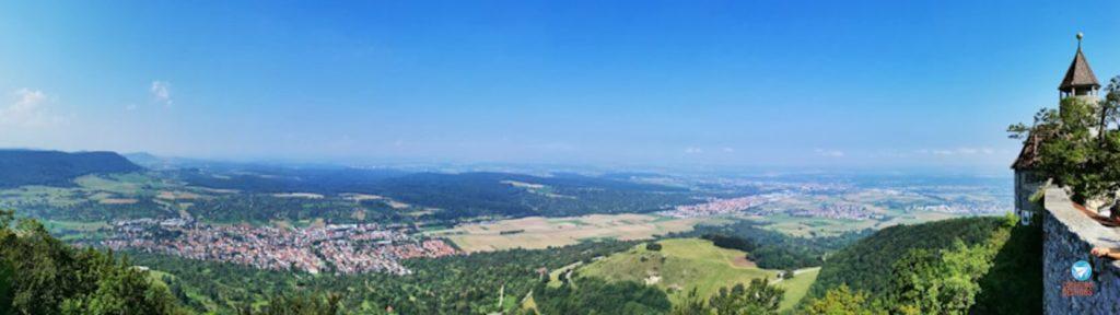 Vista do Burg Teck, castelo na Alemanha