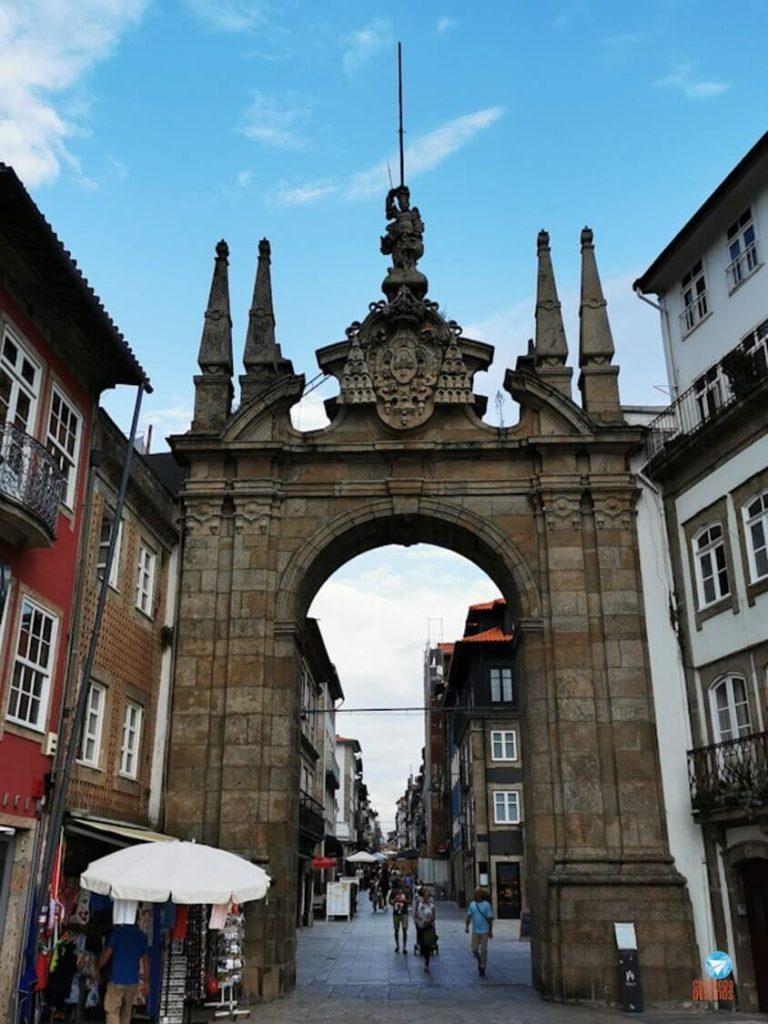 Arco da Porta Nova em Braga, Portugal