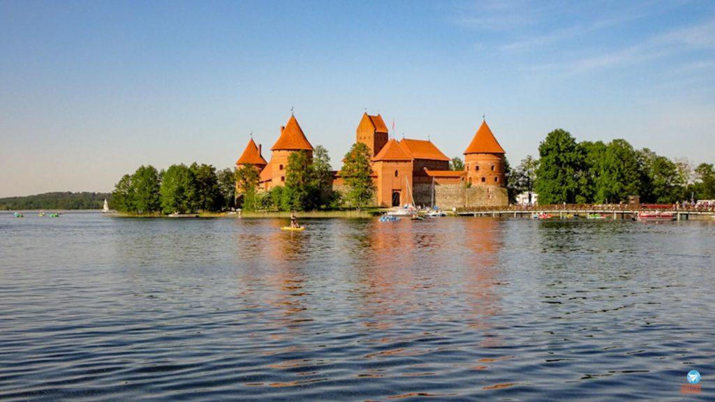 Países para conhecer na Europa - Castelo de Trakai na Lituânia