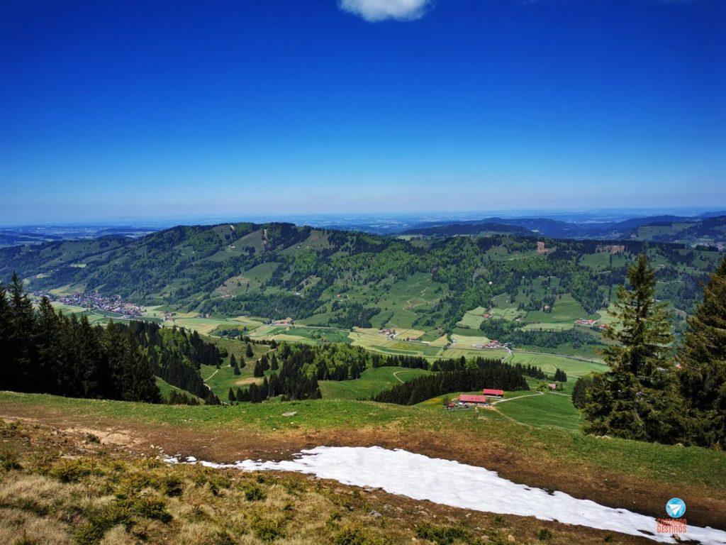 vista dos alpes - trilha no Allgäu