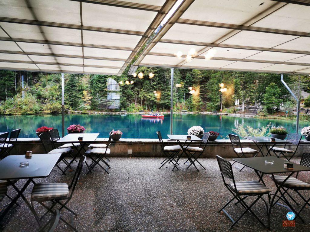 restaurante no lago Blausee